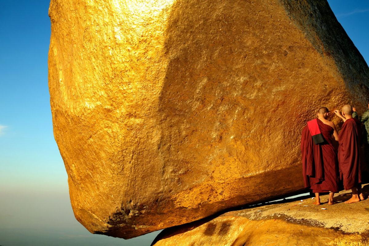 Myanmar, La Roccia d'oro - Foto di Luca Bracali