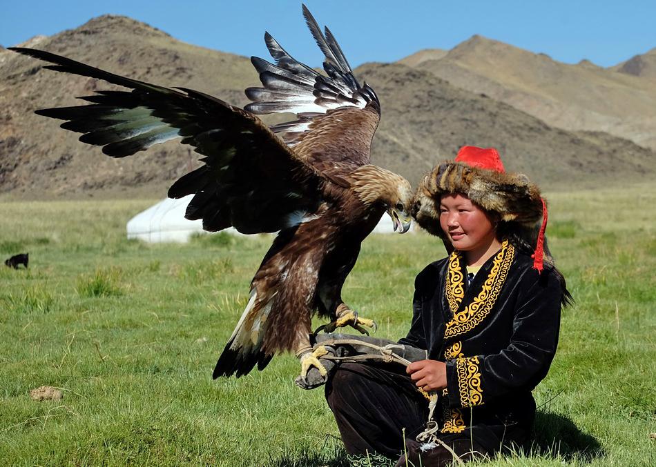 Mongolia_bambina_aquila