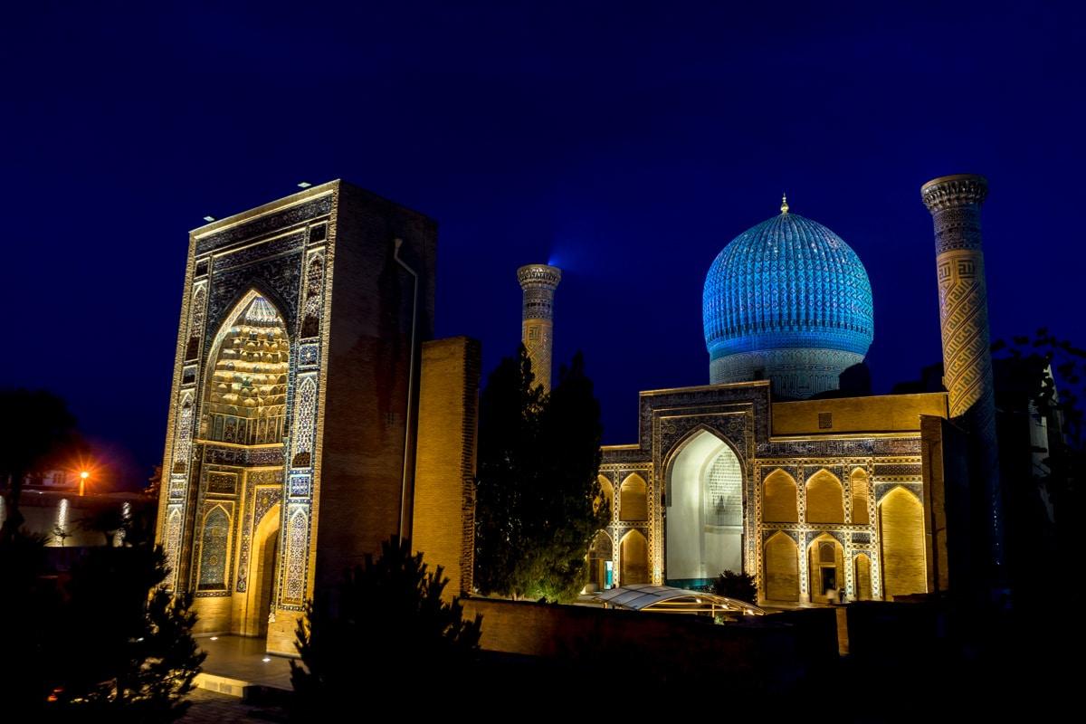 Amir-Temur-Night – Uzbekistan