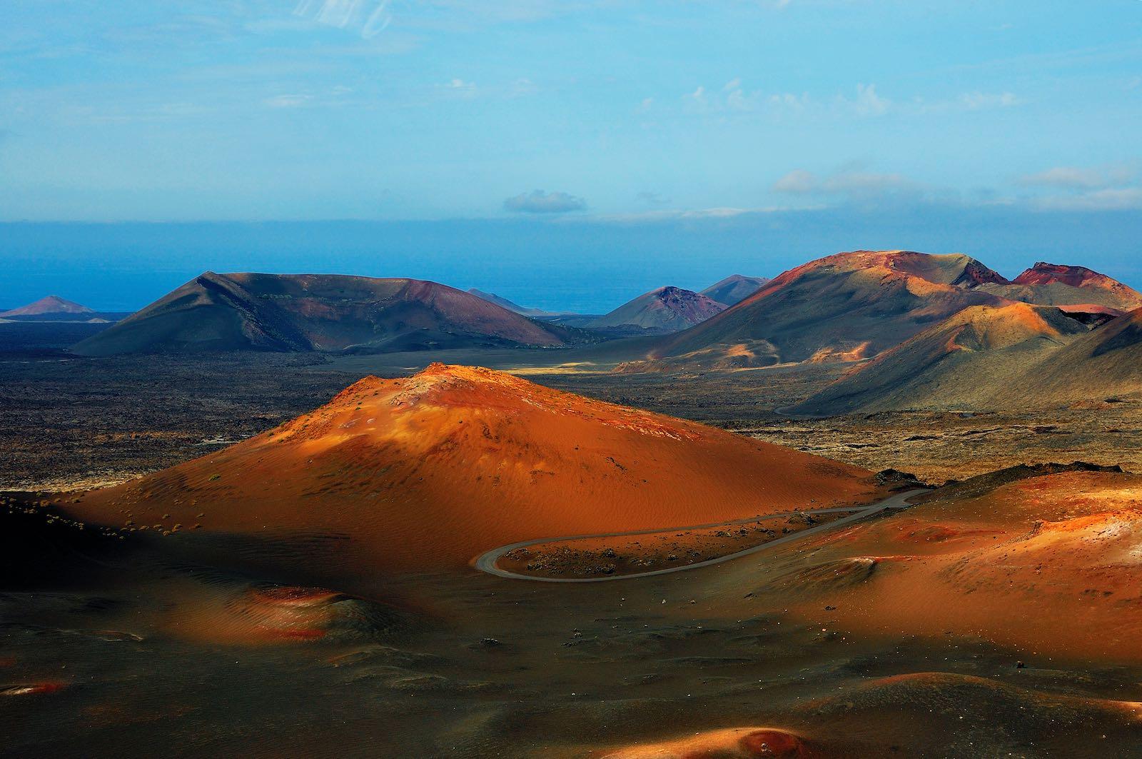 istock_Lanzarote_National Park Timanfaya-min